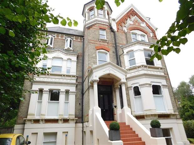 1 Bedroom Flat for sale in Langley Road, Surbiton