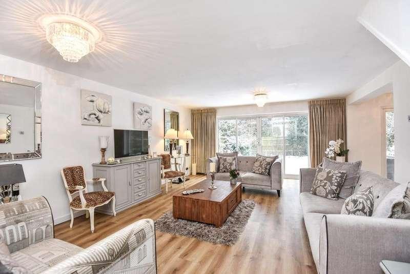 4 Bedrooms Link Detached House for sale in Paget Gardens, Chislehurst
