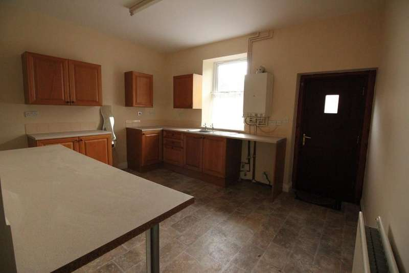 2 Bedrooms Terraced House for sale in Scholes Street, Darwen