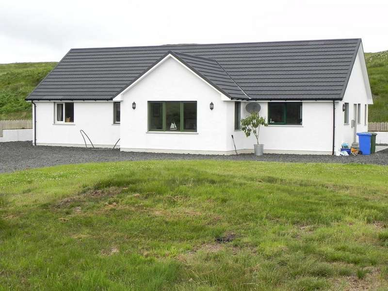 4 Bedrooms Detached Bungalow for sale in Cnoc Dubh, 23 Portnalong, Isle of Skye, IV47 8SL