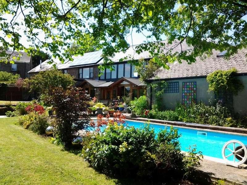 2 Bedrooms Barn Conversion Character Property for sale in Llanfihangel Talyllyn, Brecon