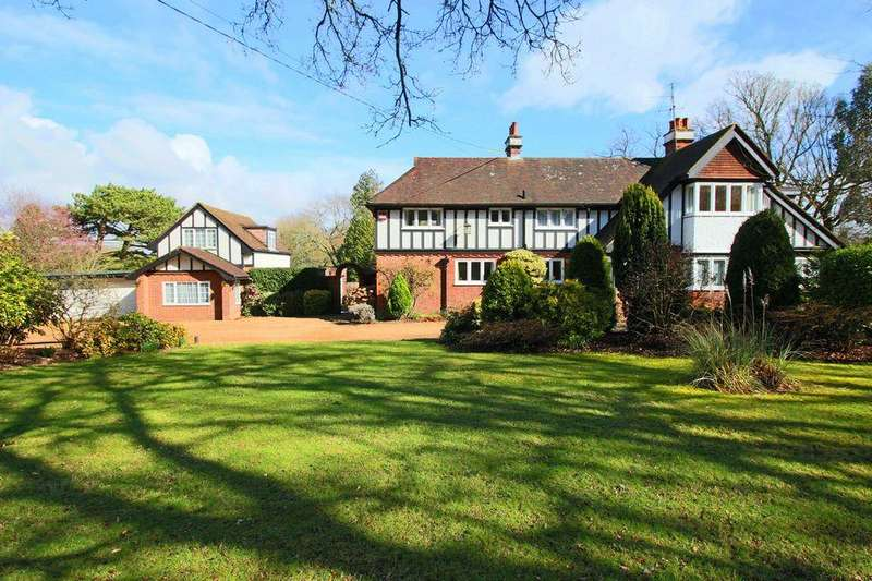 5 Bedrooms Detached House for sale in Ockley Lane, Burgess Hill, West Sussex,