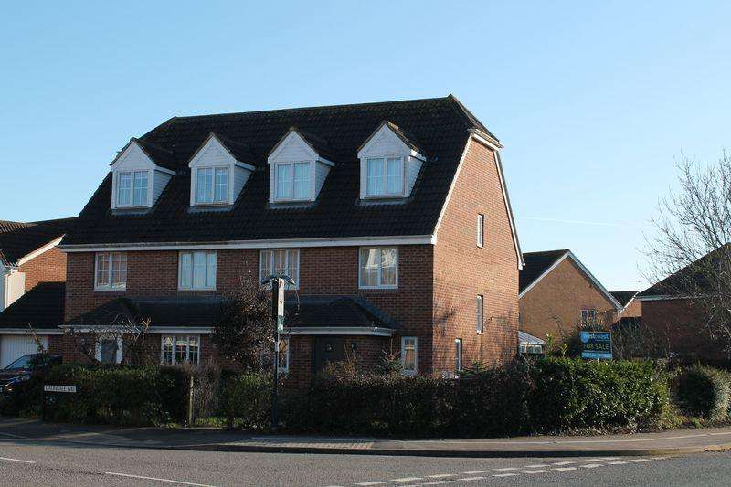 4 Bedrooms Semi Detached House for sale in Galingale Way, Portishead