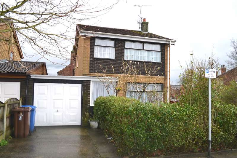3 Bedrooms Detached House for sale in The Avenue, Leigh