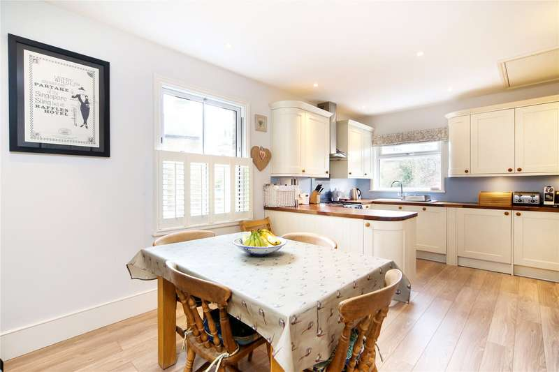 4 Bedrooms Flat for sale in St. Ann's Hill, Wandsworth, SW18