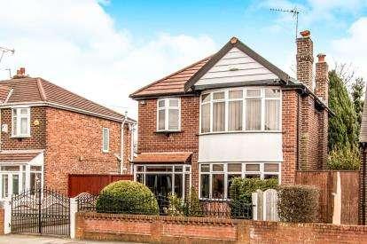 3 Bedrooms Detached House for sale in Hurstville Road, Chorlton, Manchester, Greater Manchester