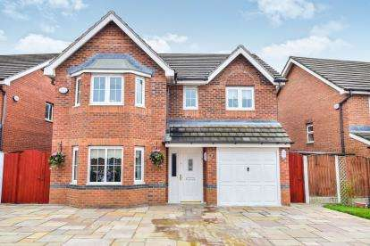 4 Bedrooms Detached House for sale in Snowberry Crescent, Warrington, Cheshire