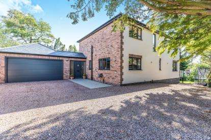 4 Bedrooms Detached House for sale in Beech Avenue, Worcester, Worcestershire