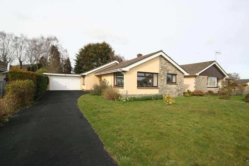 3 Bedrooms Detached Bungalow for sale in Crumplers Close, Lytchett Matravers, Poole