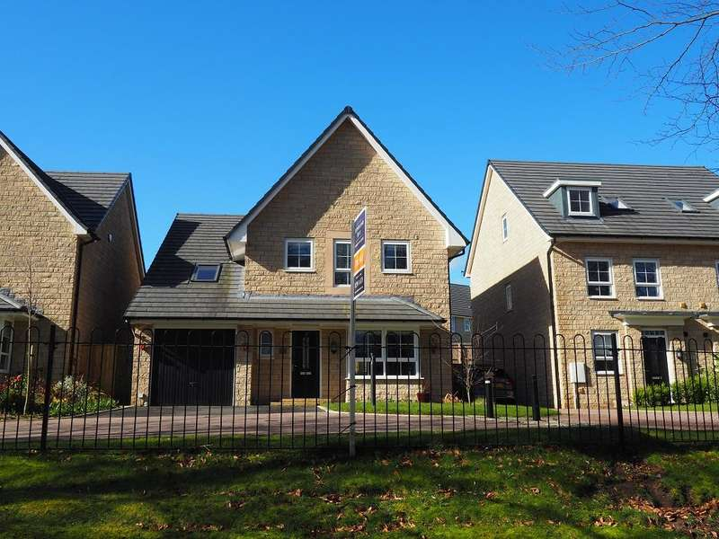 5 Bedrooms Detached House for sale in Burrfields Road, Chapel-en-le-Frith, High Peak, Derbyshire, SK23 0JW