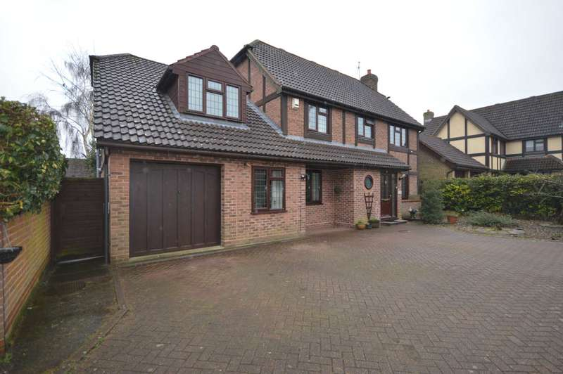 5 Bedrooms Detached House for sale in Kingswood Avenue, Taverham