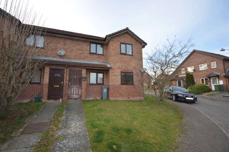 2 Bedrooms Flat for sale in Castle Rise, Taverham