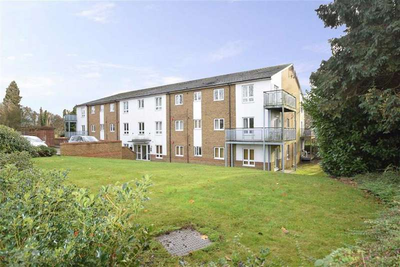 2 Bedrooms Apartment Flat for sale in Metropolitan Place, Watford