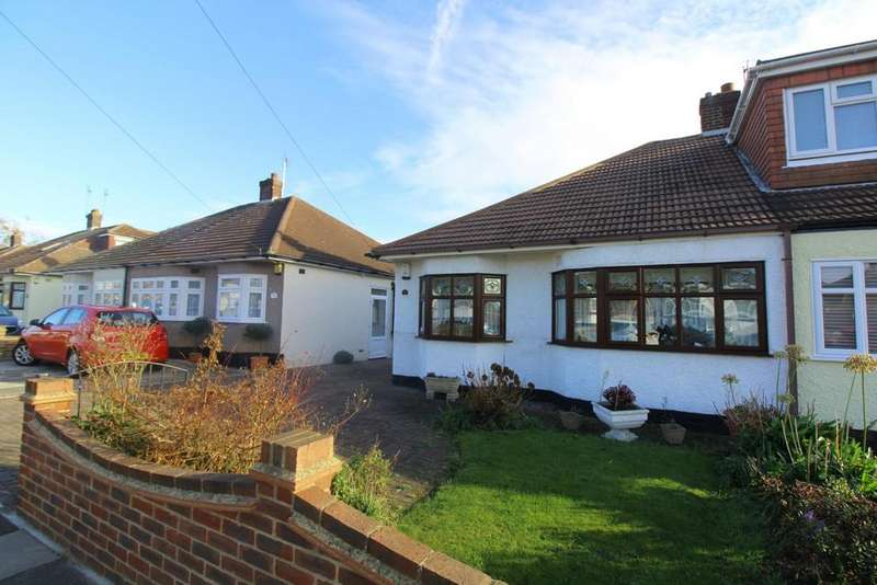 2 Bedrooms Semi Detached Bungalow for rent in Derby Avenue, Upminster, Essex, RM14