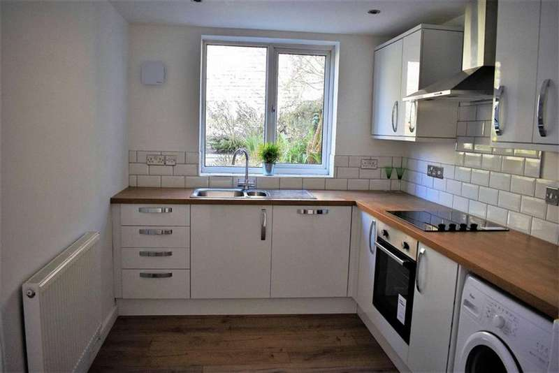 2 Bedrooms Terraced House for sale in Bay View Terrace, Swansea, SA1