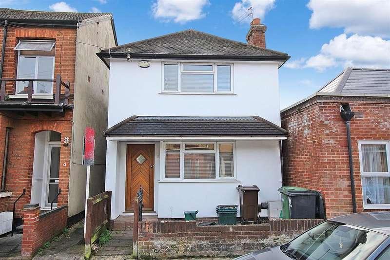 3 Bedrooms Detached House for sale in Burnham Road, St. Albans