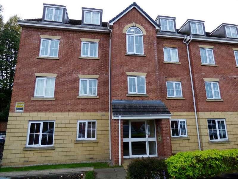 2 Bedrooms Flat for rent in Gladstone House, Gladstone Close, BLACKBURN, Lancashire