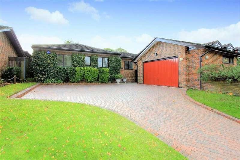 4 Bedrooms Bungalow for sale in The Warren, Radlett, Hertfordshire
