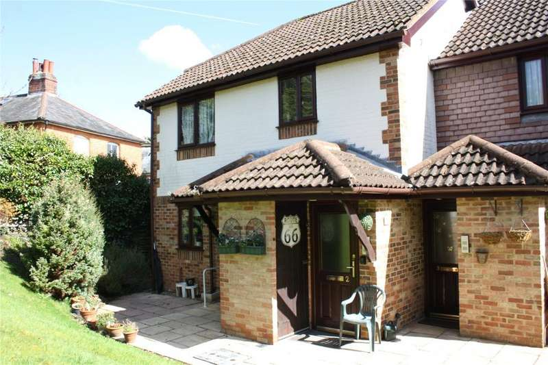 1 Bedroom Maisonette Flat for sale in Chasewater Court, St. Benedicts Close, Aldershot, Hampshire, GU11