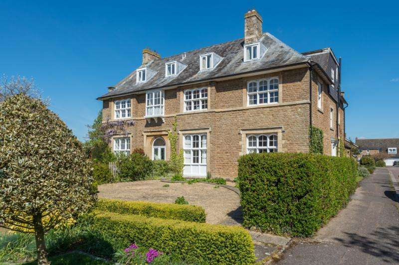 5 Bedrooms Apartment Flat for sale in Godwyn Close, Abingdon, Oxfordshire