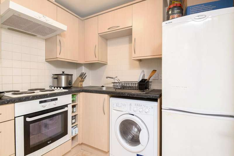 1 Bedroom Flat for sale in Martingale Chase, Newbury, RG14