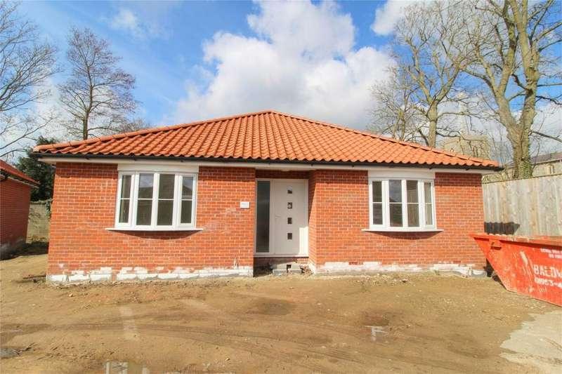 4 Bedrooms Detached Bungalow for sale in Sycamore Court, Off Attleborough Rd, Gt Ellingham, ATTLEBOROUGH NR17 1LG, Norfolk
