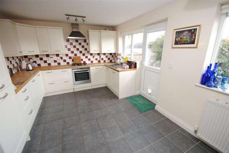 2 Bedrooms Detached Bungalow for sale in Silver Street, Milverton