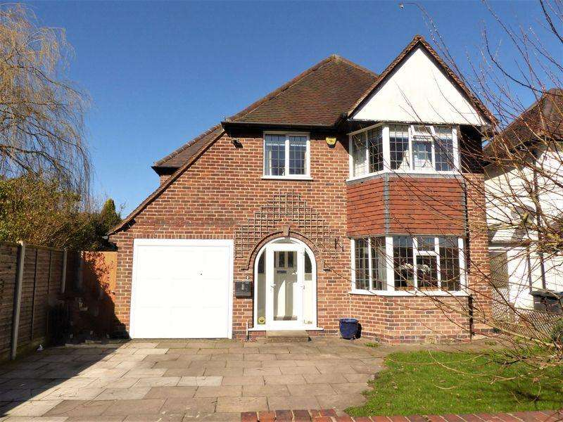4 Bedrooms Detached House for sale in Walmley Road, Sutton Coldfield