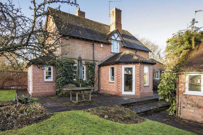 4 Bedrooms Detached House for sale in Spernall Lane, Great Alne