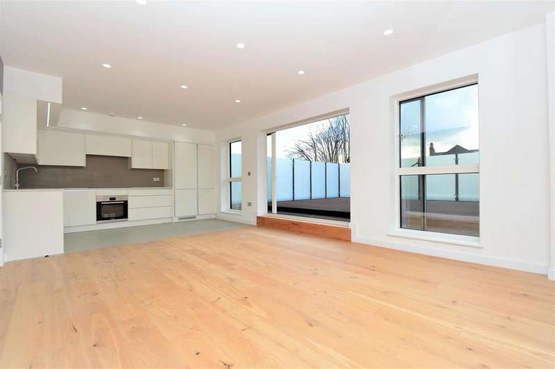 3 Bedrooms Penthouse Flat for sale in Andre Street, London, E8