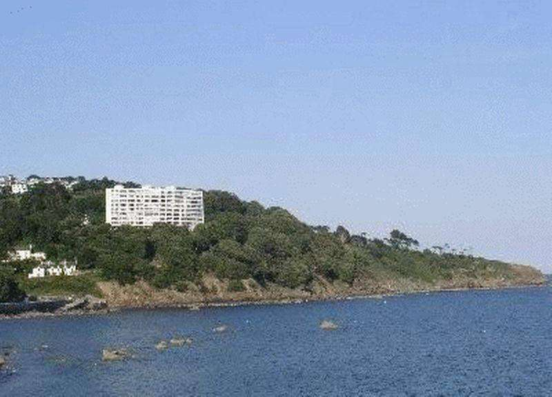 2 Bedrooms Apartment Flat for sale in Ilsham Marine Drive, Torquay