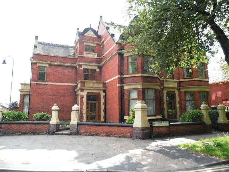 6 Bedrooms Property for sale in Avenue Road, Shelton, Stoke-On-Trent