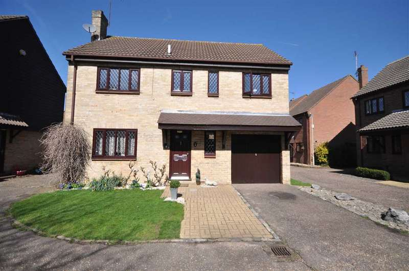 4 Bedrooms Detached House for sale in Conifer Drive, Brentwood