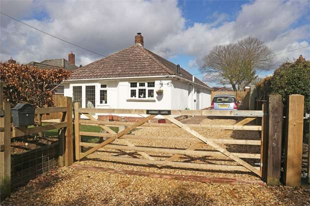 3 Bedrooms Detached Bungalow for sale in Hyde, Fordingbridge, Hampshire