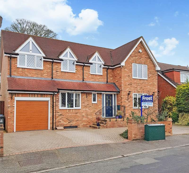 5 Bedrooms Detached House for sale in Timsway, Staines-Upon-Thames, TW18