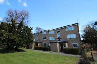 1 Bedroom Flat for sale in Engadine Close, Park Hill, Croydon, Surrey