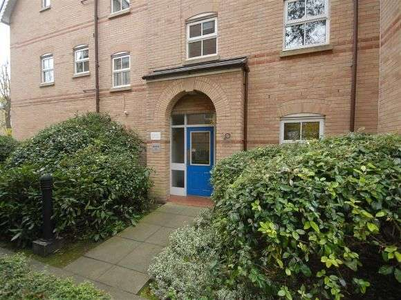 2 Bedrooms Flat for sale in Parkside, Hart Road, Fallowfield, Manchester