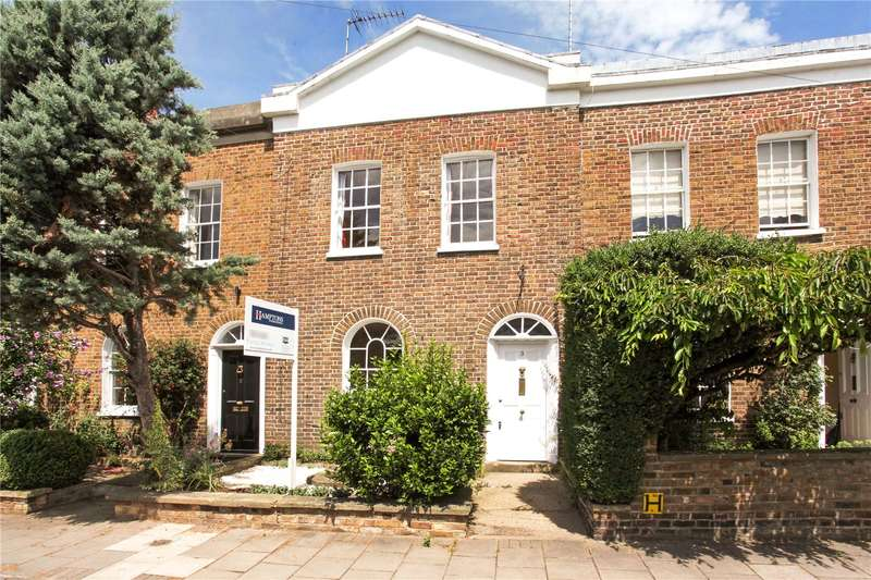 2 Bedrooms Terraced House for sale in Adelaide Square, Windsor, Berkshire, SL4