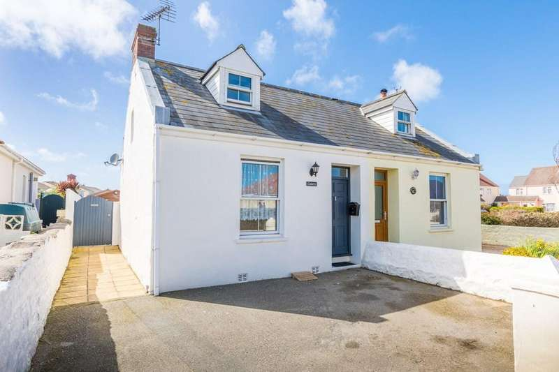 2 Bedrooms Semi Detached House for sale in Route Militaire, St. Sampson, Guernsey