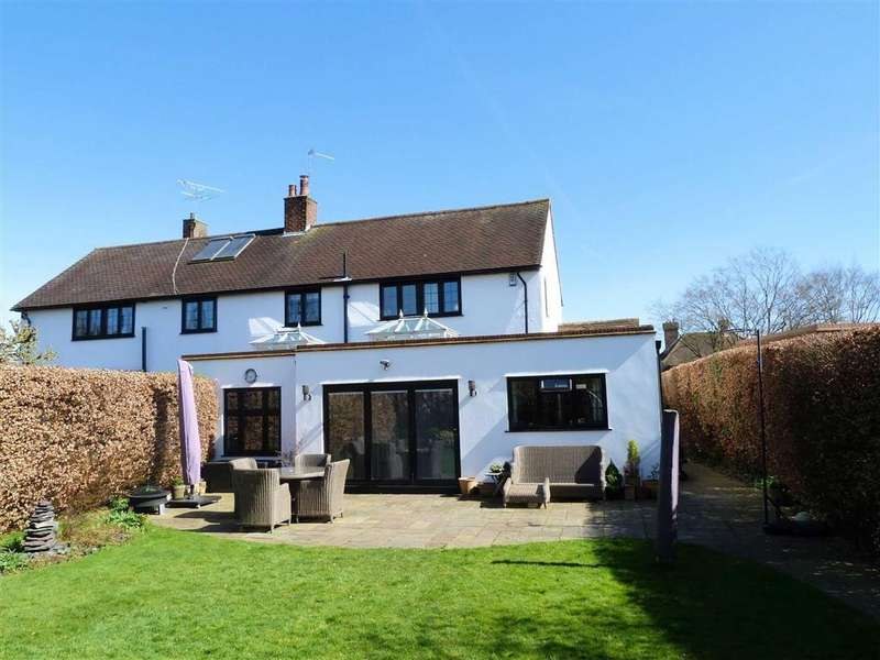 4 Bedrooms Semi Detached House for sale in Handside Lane, West Side, Welwyn Garden City