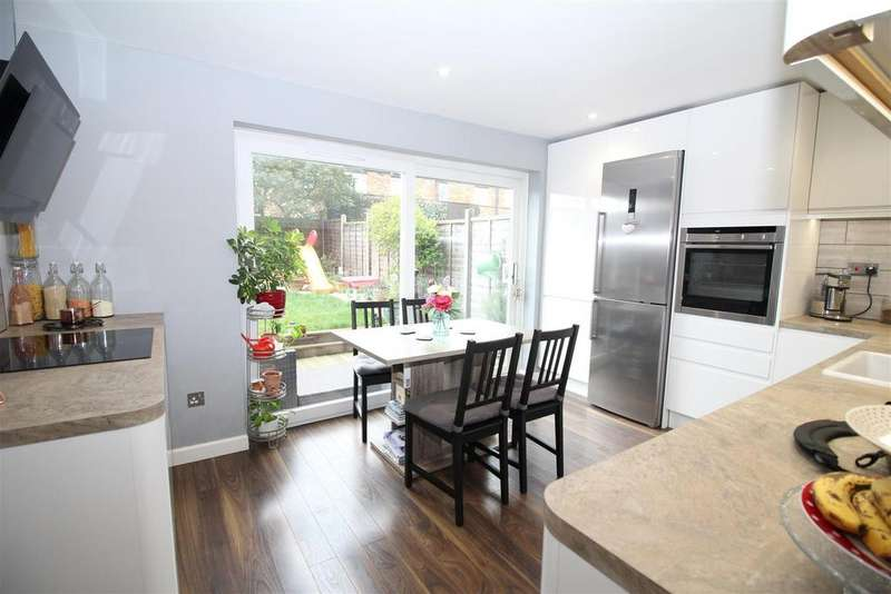 3 Bedrooms House for sale in Brockles Mead, Harlow