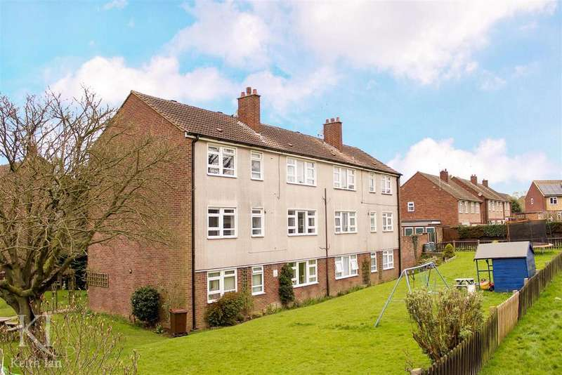 2 Bedrooms Apartment Flat for sale in Quick move required, Cromwell Road, Ware
