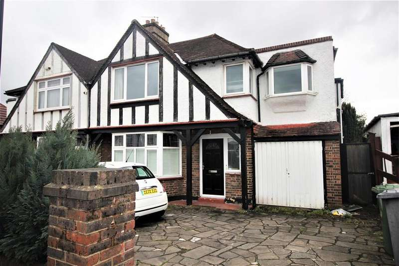 3 Bedrooms Flat for sale in Redhill Drive, Edgware