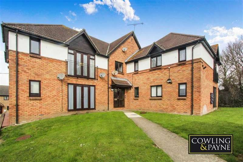 2 Bedrooms Apartment Flat for sale in Compton Court, Wickford, Essex