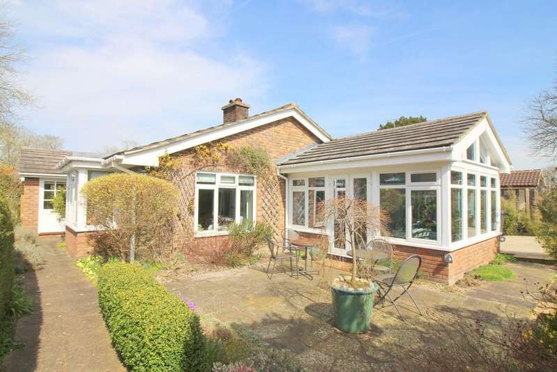 3 Bedrooms Detached Bungalow for sale in The George Yard, Broad Street, Alresford