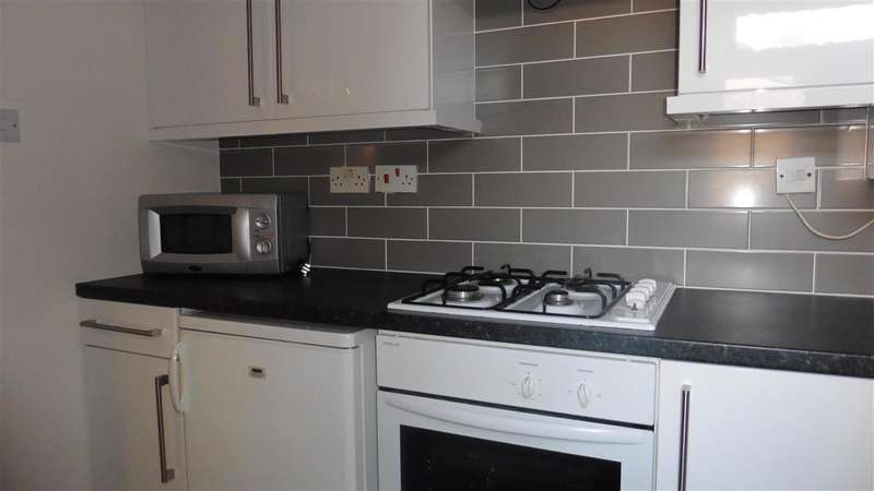 2 Bedrooms Apartment Flat for sale in Alva Road, Rainhill, Prescot