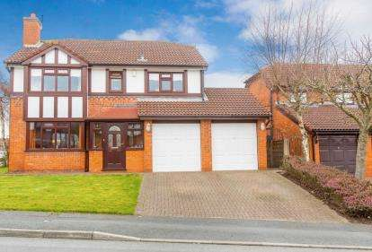 4 Bedrooms Detached House for sale in Lightwood, Worsley, Manchester, Greater Manchester