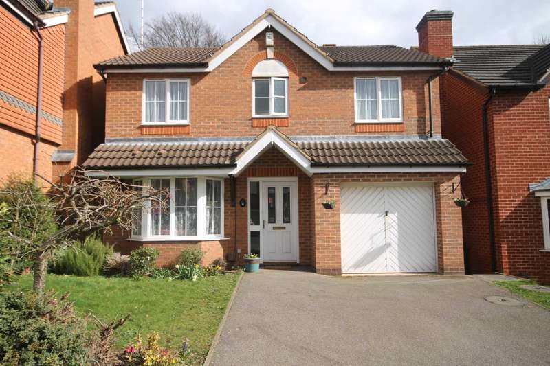 4 Bedrooms Detached House for sale in Allerton Drive, Leicester