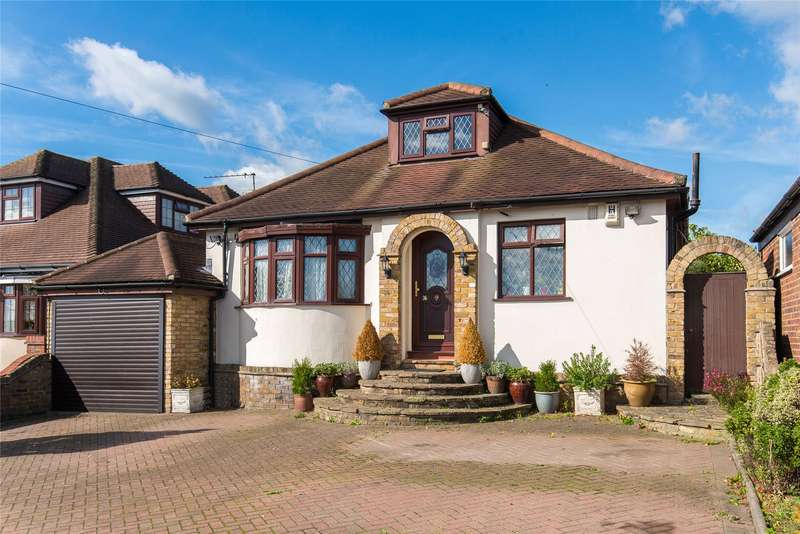 5 Bedrooms Detached House for sale in Northaw Road East, Cuffley, Potters Bar, Hertfordshire