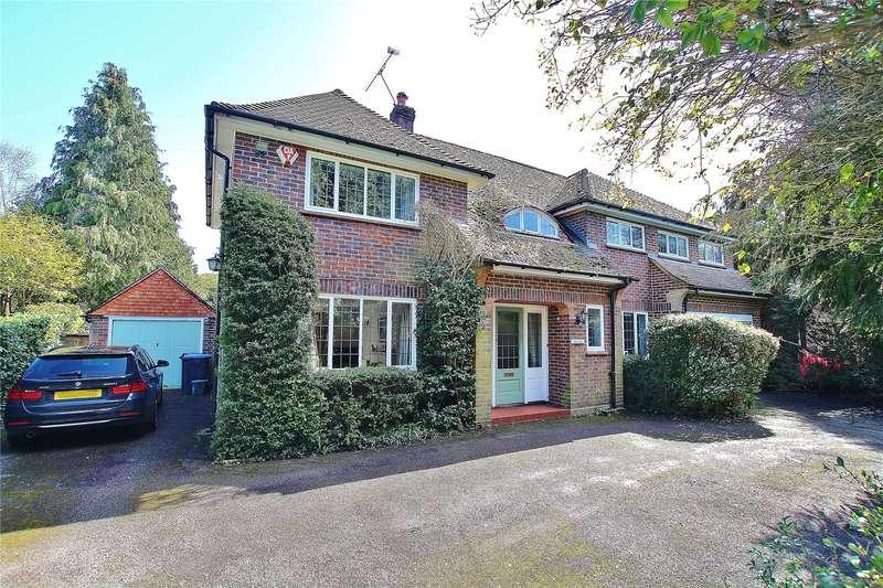 5 Bedrooms Detached House for sale in Bagshot Road, Knaphill, Woking, Surrey, GU21